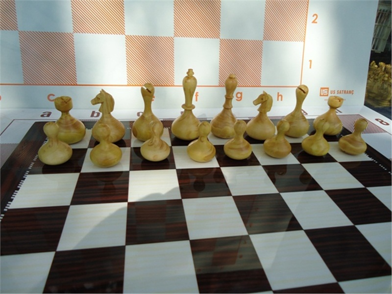 Wobble Chess Sallanan Satranç Taşı